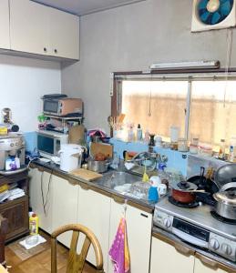 昭和の台所、物が溢れていました