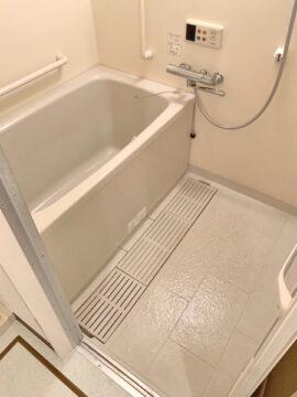 ラフィネ浴室施工前